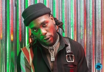 Burna Boy apologizes, after being called out for his tweets about Oyigbo being under attack